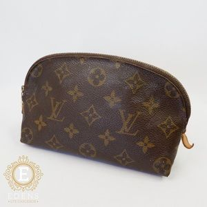 •Authentic Louis Vuitton Cosmetic Pouch•